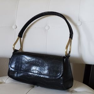 Sleek crocodile scale shoulder purse